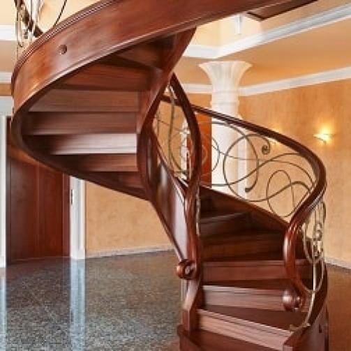 انواع نرده برای پله گرد را می توان بر اساس متریال آن ها به انواع فلزی، سنگی، چوبی، بتنی و کابلی دسته بندی نمود.